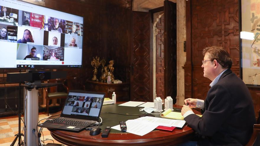 La Comunitat Valenciana cierra las grandes ciudades los fines de semana, prohíbe la reuniones en domicilios y las limita en la calle a dos personas