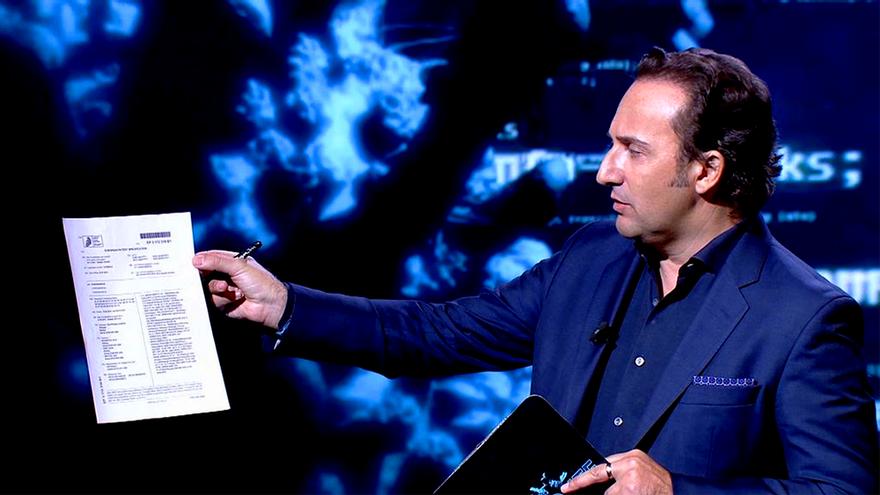 Iker Jiménez salta por sorpresa a Telecinco como telonero de 'Madres', que empezará una hora más tarde