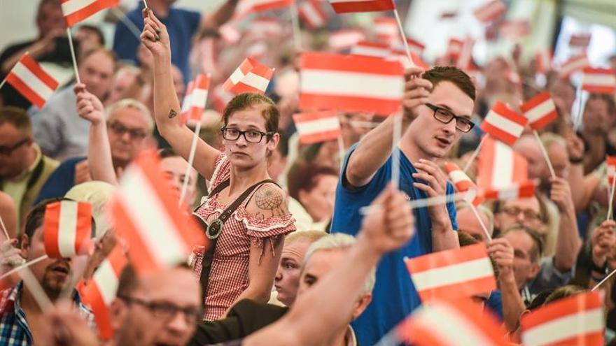Austria aplaza repetición de las presidenciales por fallos en las papeletas
