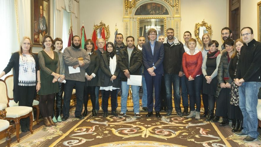 Ayuntamiento de Vitoria y colectivos musulmanes firman un manifiesto por la paz y la convivencia