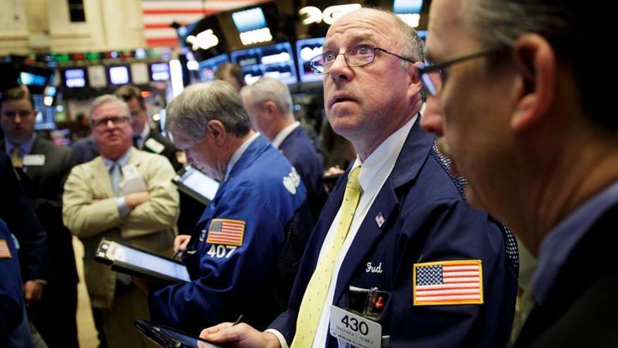 Bolsas latinoamericanas registran pérdidas en un día dispar en Wall Street