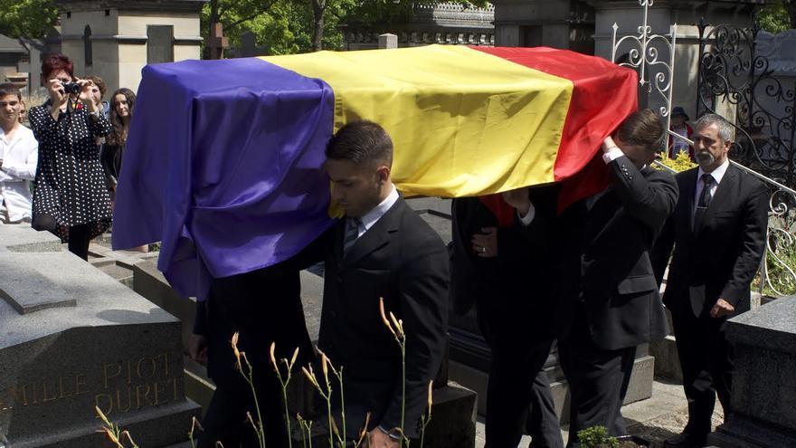 Una gran bandera republicana cubría el féretro del fotógrafo de Mauthausen / C. Hernández