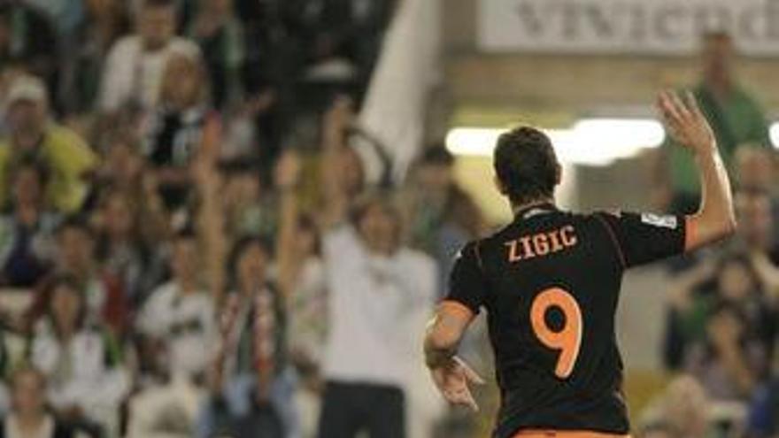 El Valencia vence con Zigic como verdugo de su ex equipo
