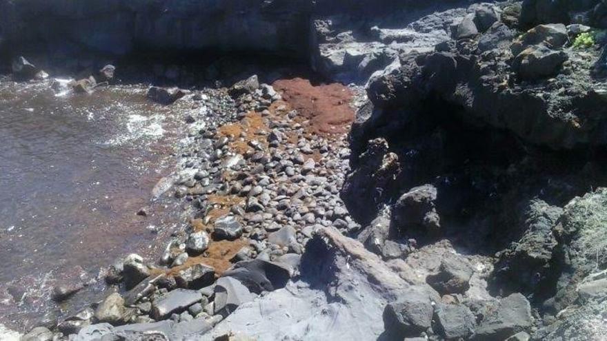 Contaminación costera producida por el vertido de aguas residuales al mar