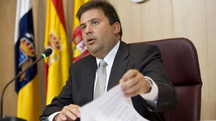 El presidente de la Autoridad Portuaria de Las Palmas, Luis Ibarra,