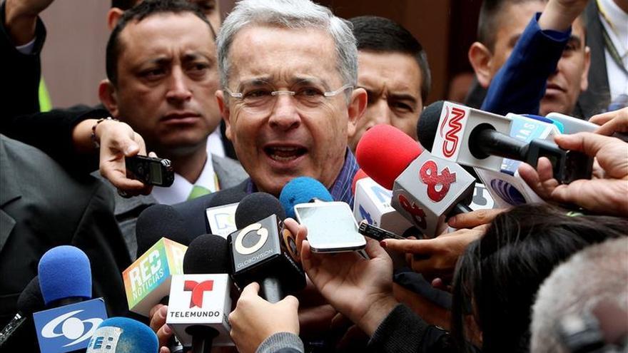 Expresidente Uribe critica la permisividad de Santos con la guerrilla