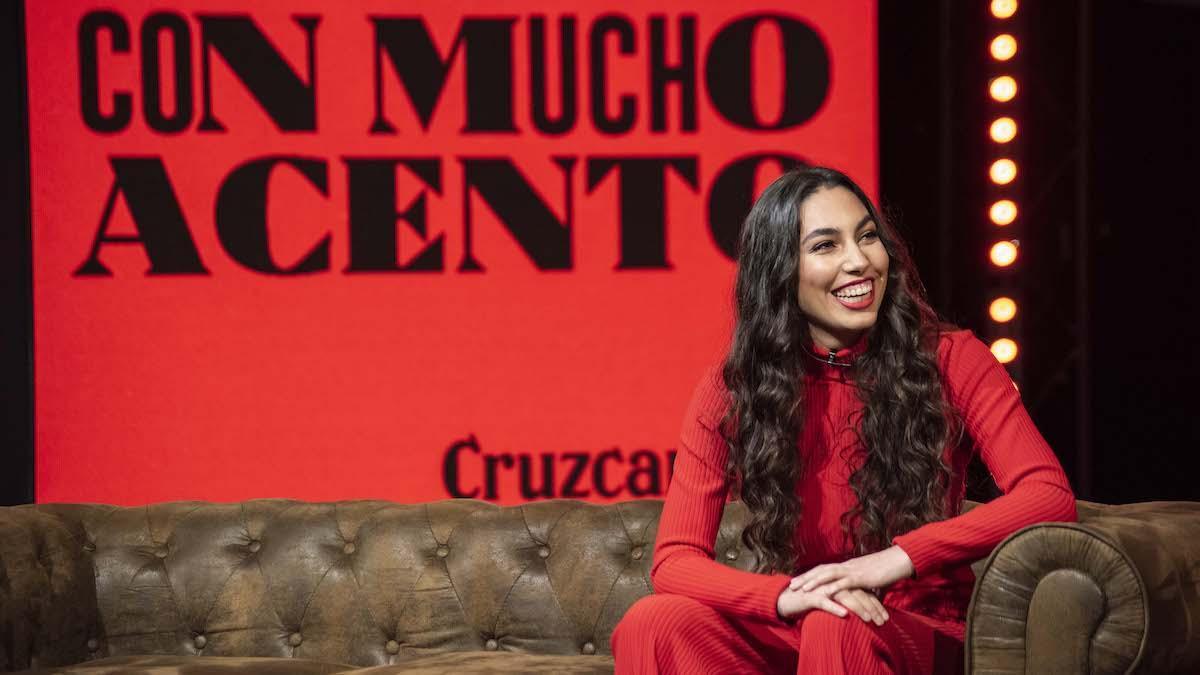 María José Llergo, en un debate sobre la campaña #ConMuchoAcento.