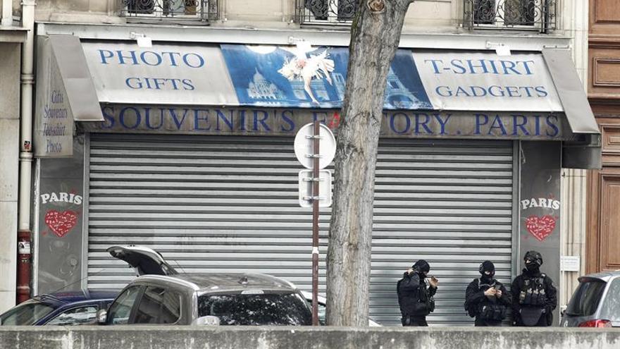 """La Policía da por """"controlada"""" la situación tras el ataque en Notre Dame"""