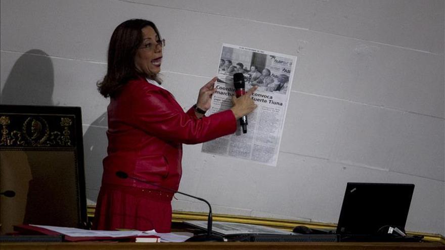 Diputada chavista dice noticia sobre familiares de Maduro busca tapar luchas