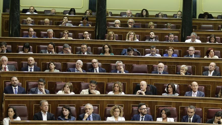 El PSOE volverá mañana a votar en contra de un informe que autoriza actividades extraparlamentarias a diputados