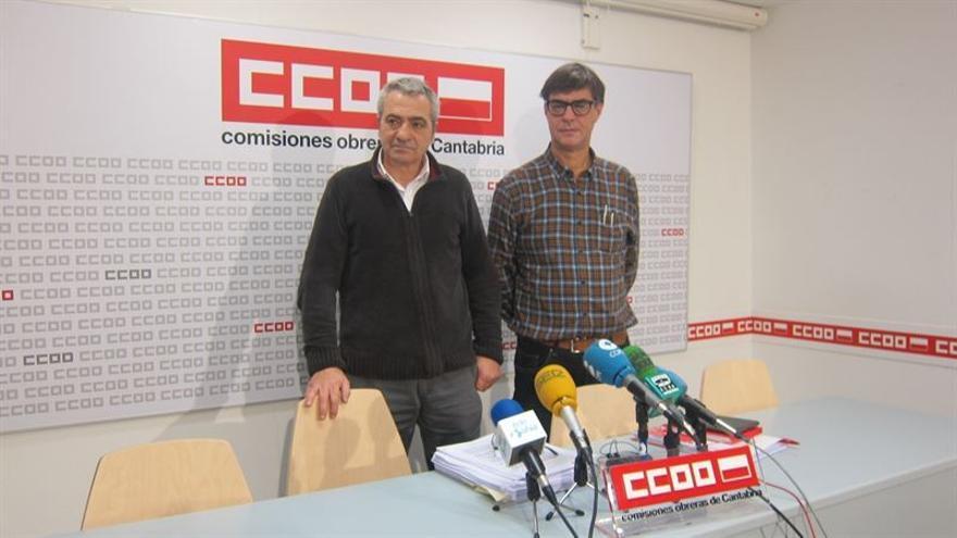 El secretario general de Comisiones Obreras, Carlos Sánchez, junto a Javier Báscones, secretario general de la Federación de Servicios a la Ciudadanía.