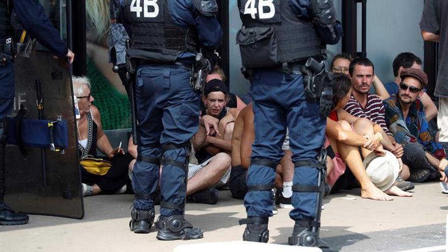 La policía detiene a 19 personas en la segunda jornada del G7