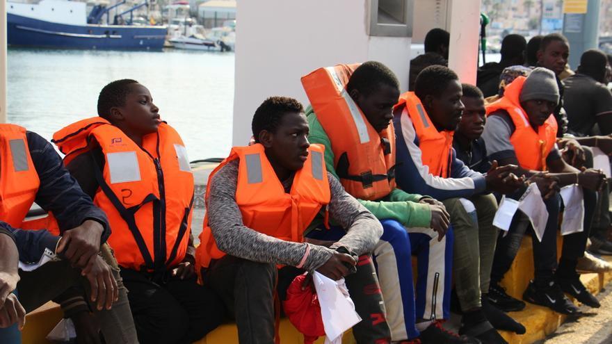 (Resumen) Rescatan a 280 personas de ocho pateras durante este fin de semana en las costas de Andalucía