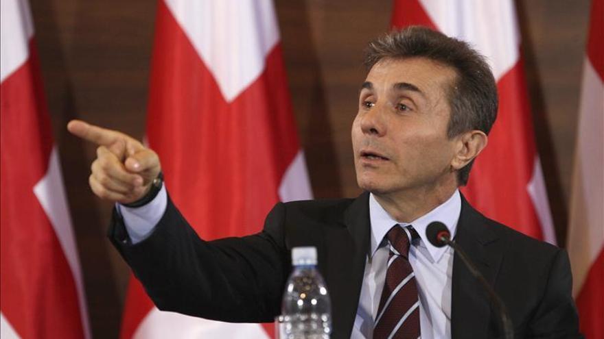 El líder fundador de la coalición gobernante en Georgia abandona la política