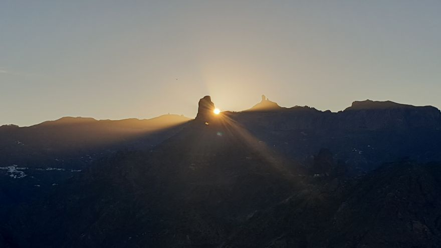 Solsticio de invierno el roque Bentayga.