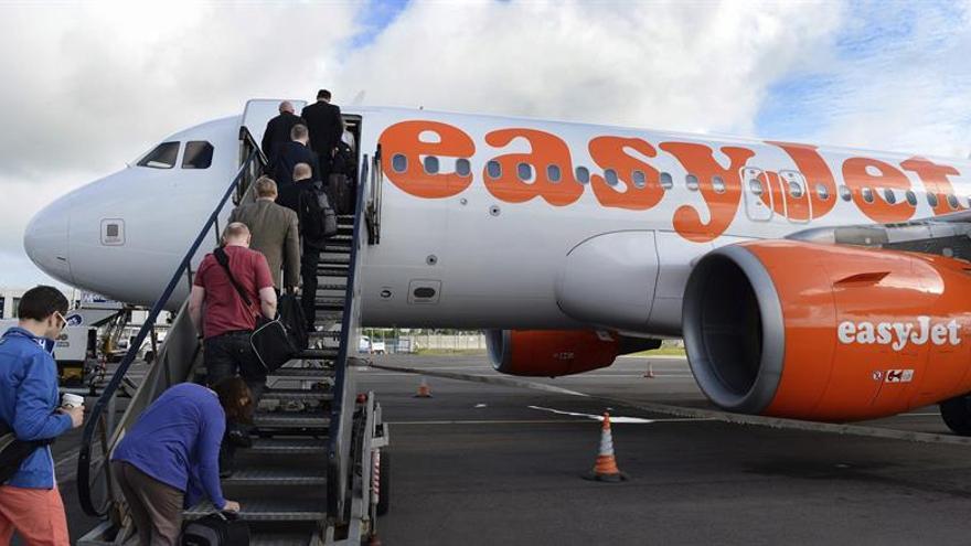 """BA, easyJet y Ryanair, las aerolíneas más expuestas al """"brexit"""", según Fitch"""