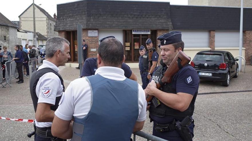 """EE.UU. condena el """"horrible ataque terrorista"""" contra una iglesia en Francia"""