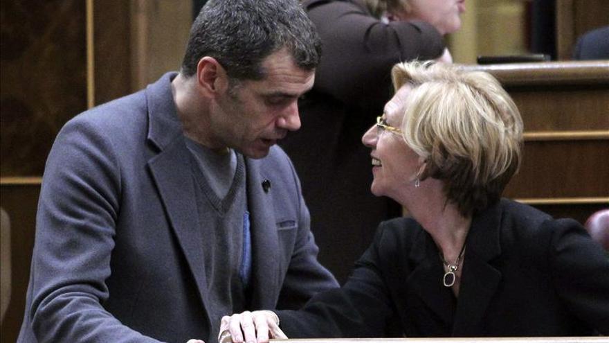Detenido por difundir en Twitter datos personales de Rosa Díez y Tony Cantó