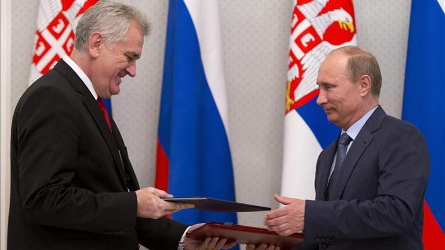 Putin expresa a Nikolic el apoyo ruso a Serbia en negociaciones con Kosovo