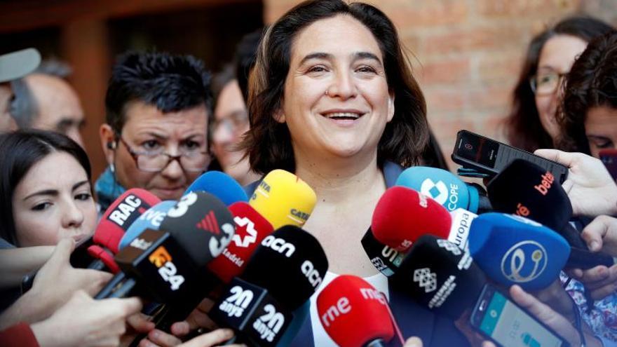 Comunes y ERC empatan a 10 concejales en Barcelona con el 52,4 % escrutado