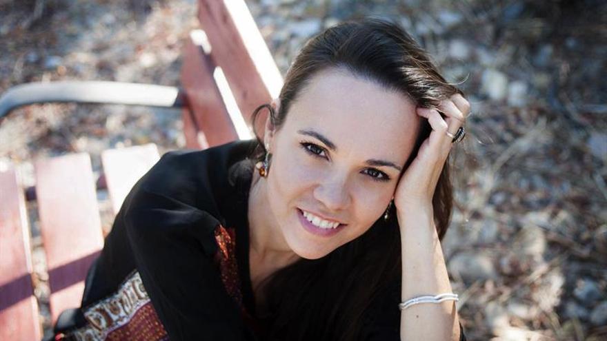 Nieves García Bautista reivindica la novela romántica, que