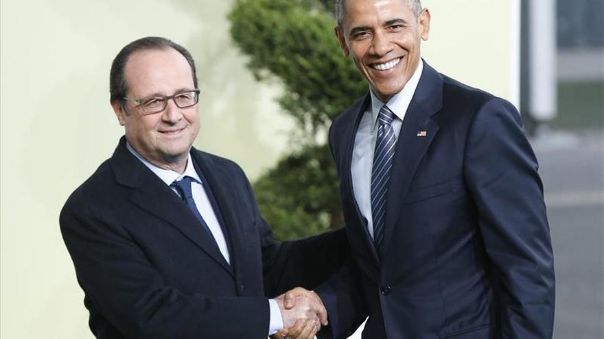 Obama habla con Hollande sobre los avances en la cumbre del clima de París