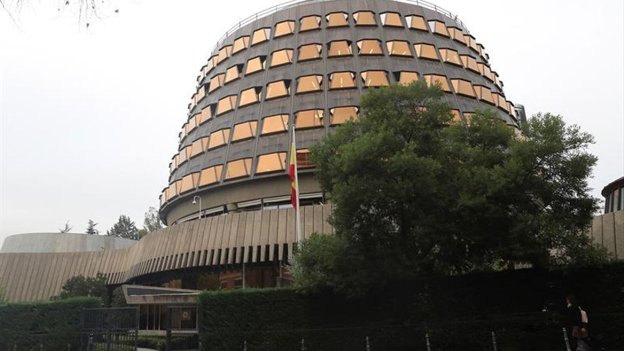 El TC anula el decreto de ayuda de 426 euros a parados de larga duración