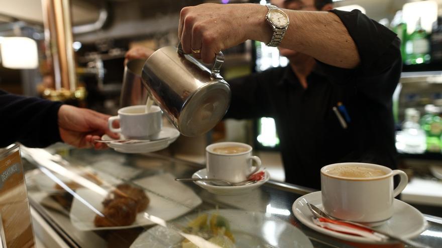 El coste laboral sube un 1,2% a cierre de 2015, su mayor repunte en dos años