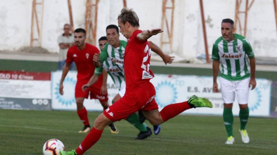 Javi Lara, en el partido ante el Atlético Sanluqueño   CCF