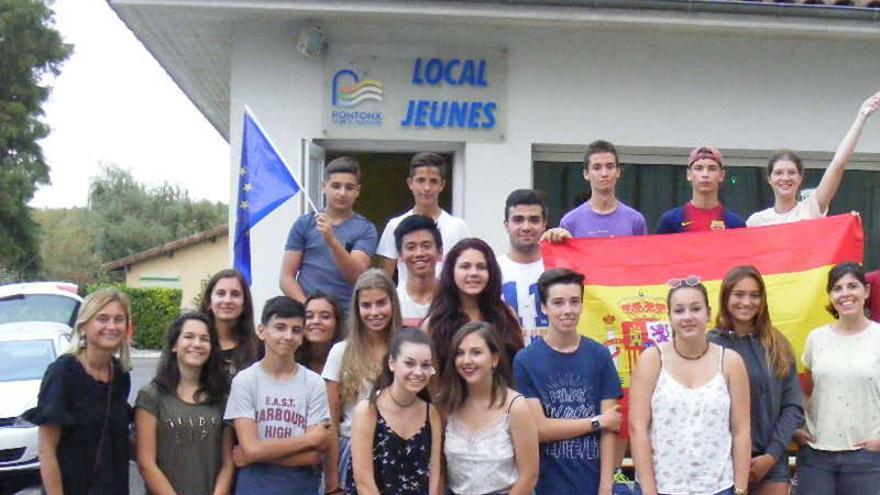 Los jóvenes, durante su estancia en Pontonx. Foto: Facebbok 'De Pontonx à Azuqueca'