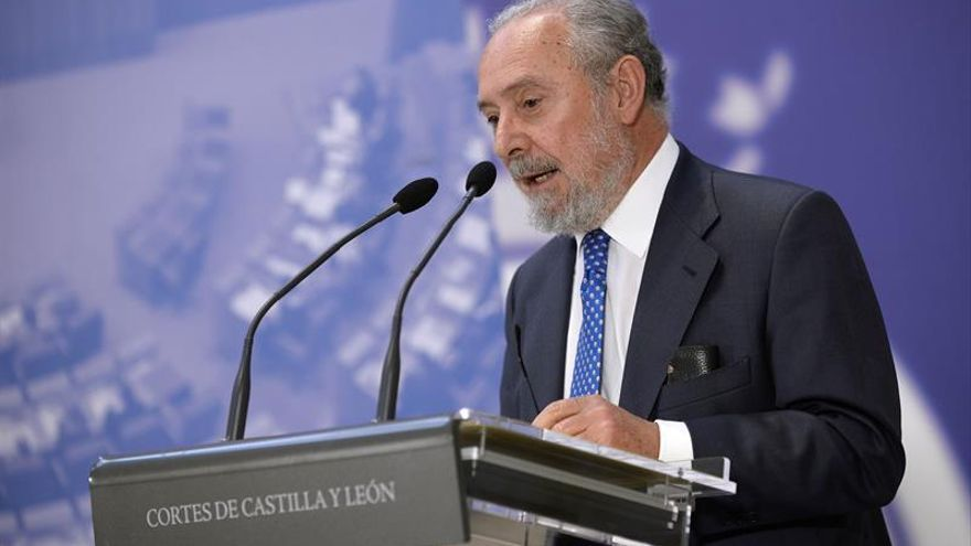 """El magistrado emérito del TC critica los """"ataques"""" de Cataluña a la Constitución"""