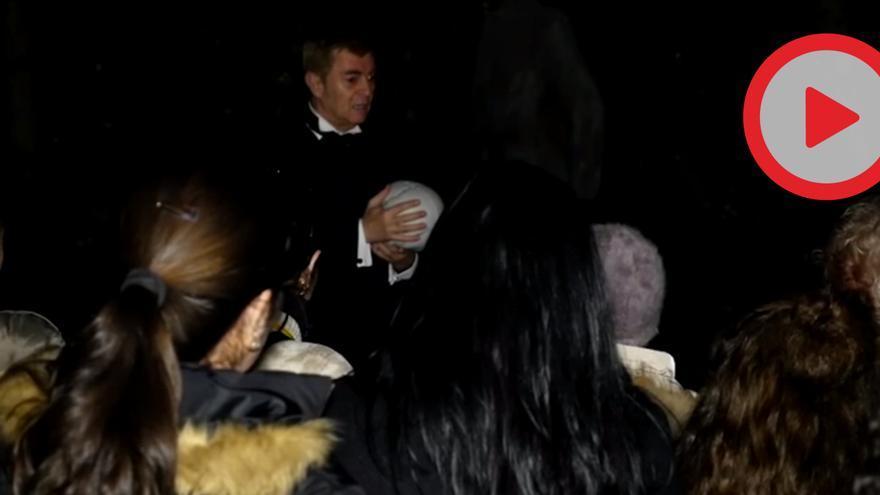 Visita nocturna en el cementerio de San Fernando, Sevilla.