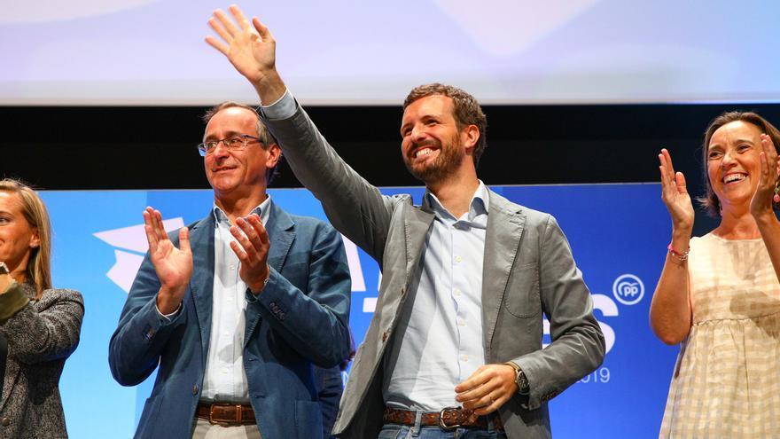 Casado apoya la apuesta del PP vasco por la foralidad e insiste en su propuesta de una gran coalición de derechas