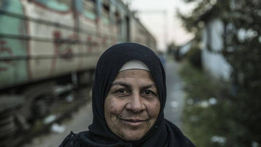 Fatheh, 45 años. En noviembre atravesaba Serbia camino de Alemania. Perdió a 21 parientes en el bombardeo de su pueblo en Siria.