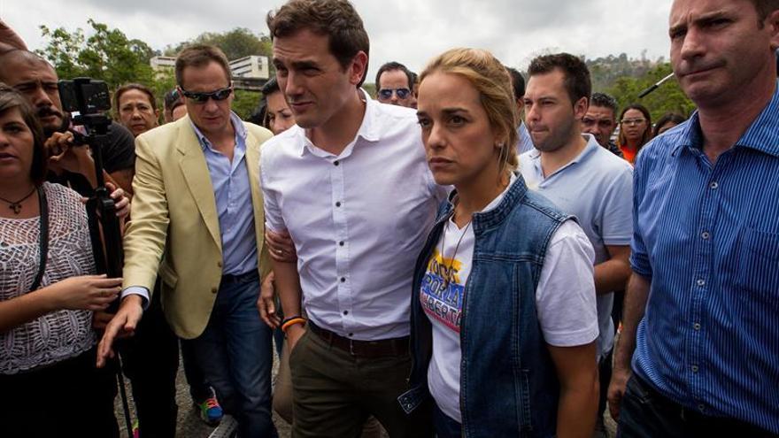 Rivera dice que enfrentará a quien quiera imponer a España el modelo venezolano
