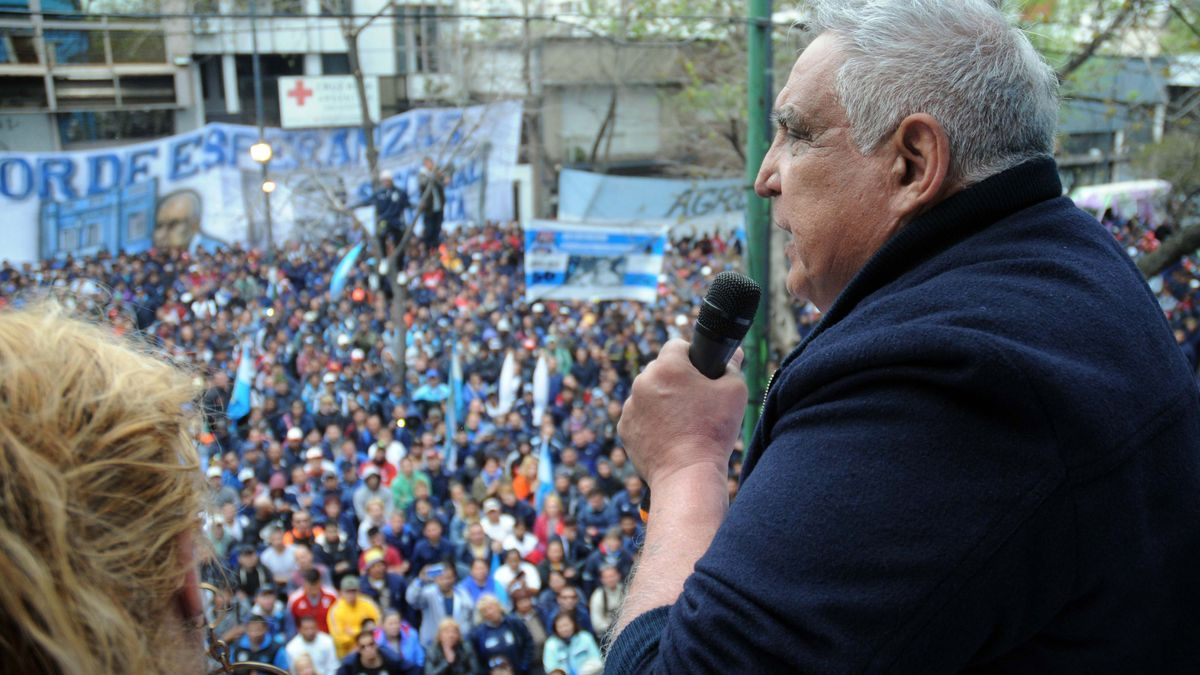 Medina, en un acto en La Plata en 2017. Volvió a la prisión domiciliaria tras violar la prohibición que tenía de concurrir a actos de la Uocra.