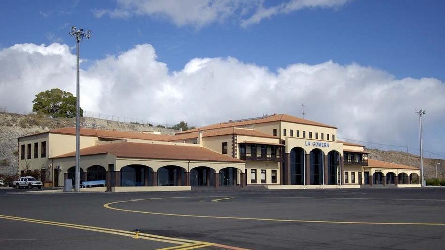 Casimiro Curbelo pide que el vuelo directo entre Gran Canaria y La Gomera se mantenga después de septiembre
