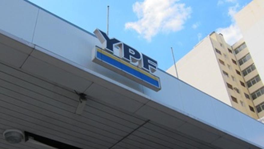 Gasolinera YPF De Buenos Aires (Argentina)
