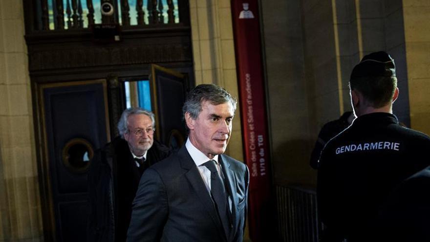 Francia juzga al ministro de Hacienda que defraudó al fisco y mintió