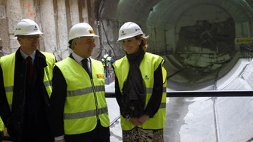 Gallardón, Blanco y Aguirre en la perforación del túnel del AVE
