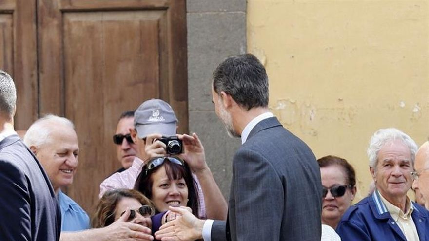 Los Reyes llegan a Las Palmas para comenzar su visita a Canarias