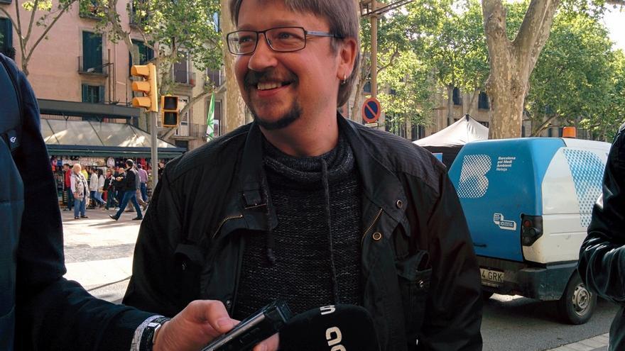 Domènech no ve al Gobierno con credibilidad para apoyar Sant Jordi en la Unesco