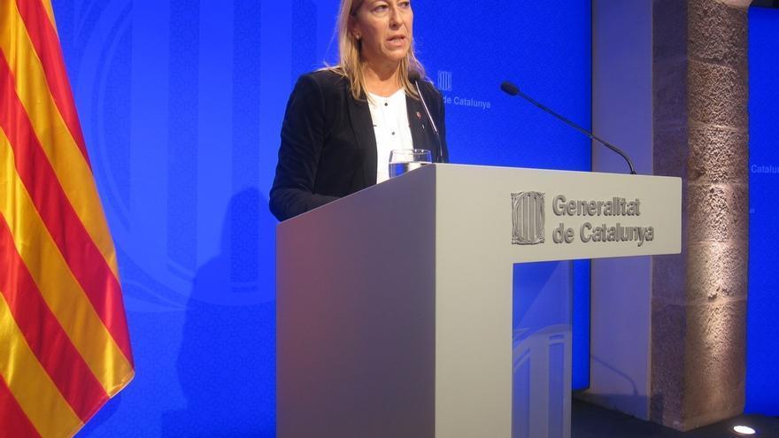 """La vicepresidenta del Gobierno catalán dice que ningún funcionario está en """"riesgo"""" por la resolución soberanista"""