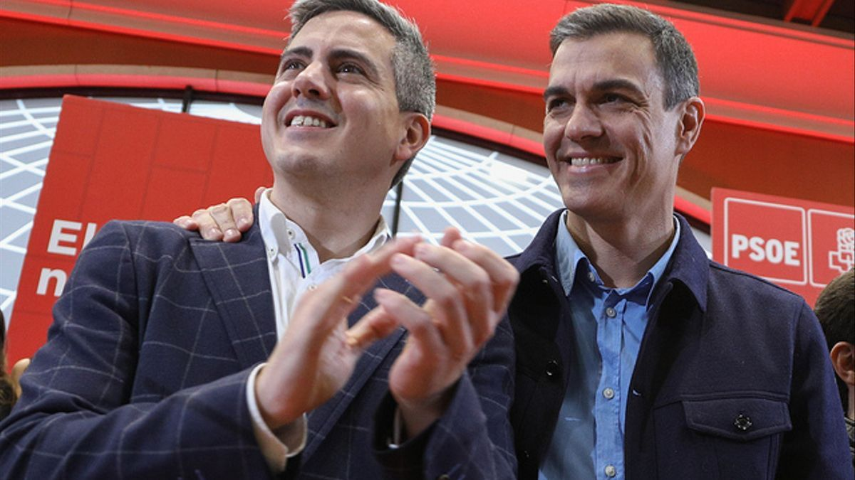Zuloaga y Sánchez durante el mitin del PSOE en Santander (ARCHIVO)