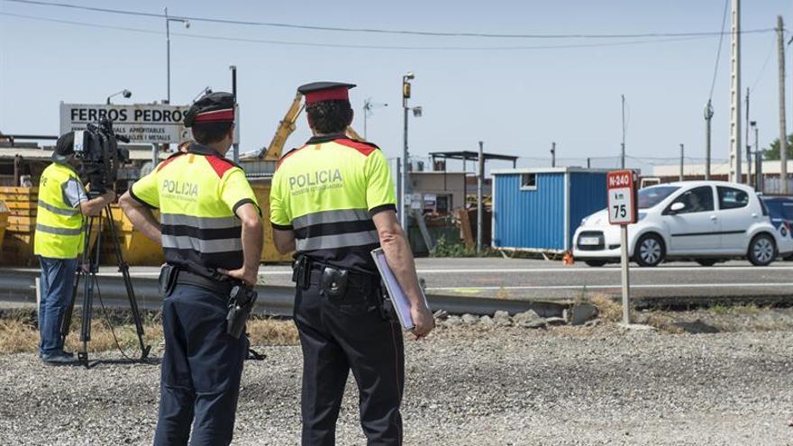 Dos mujeres fallecen en una colisión frontal entre un camión y un coche en Lleida