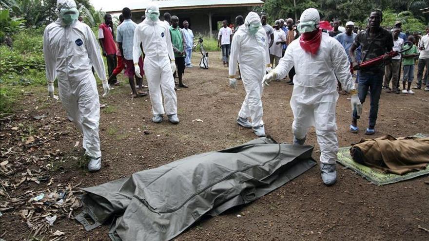 La Policía española refuerza los protocolos de prevención y los medios contra el Ébola