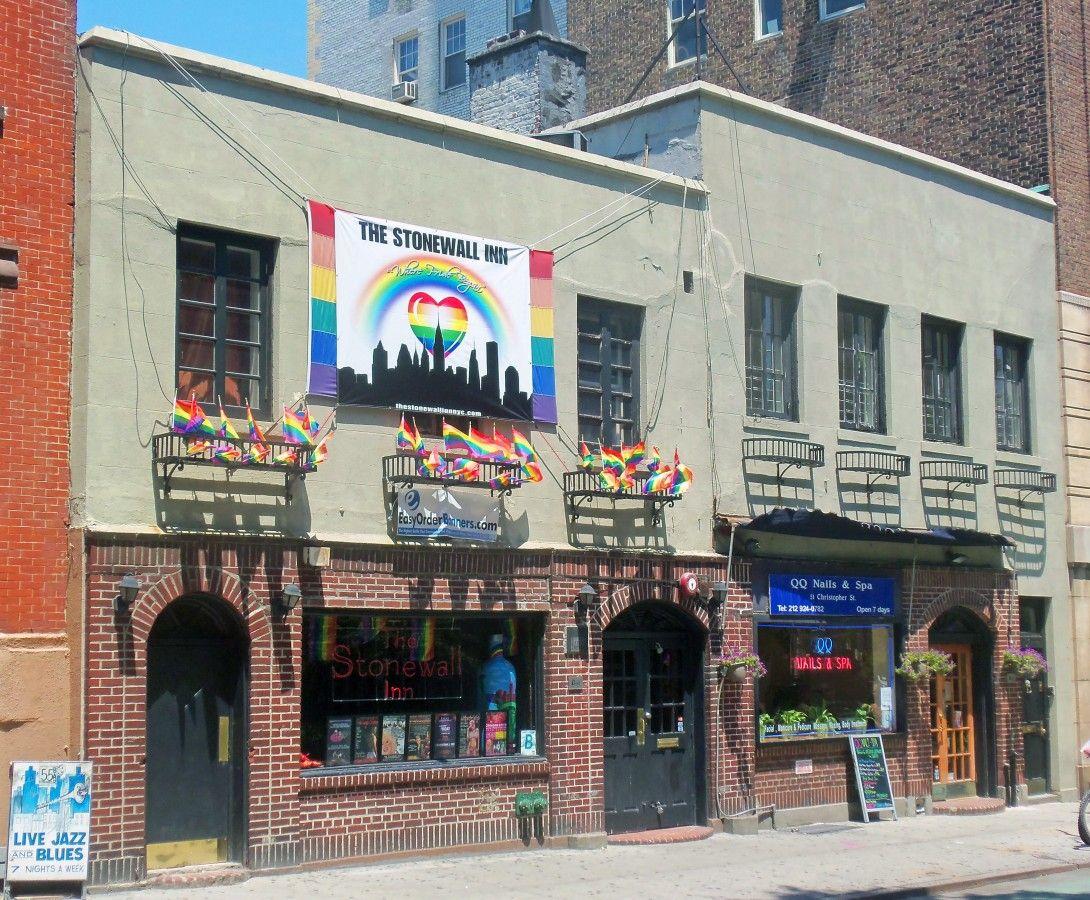 Gay Inn 105