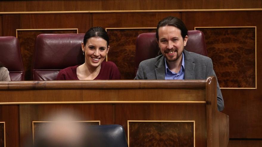 Irene Montero y Pablo Iglesias preparan largas intervenciones para presentar mañana su moción de censura contra Rajoy