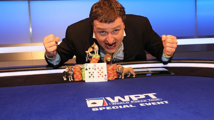 El parlamentario del Partido Popular Europeo Antanas Guoga, durante un torneo de póker. Guoga ha ganado 1,3 millones de euros al año al margen de su actividad parlamentaria desde su actual mandato.