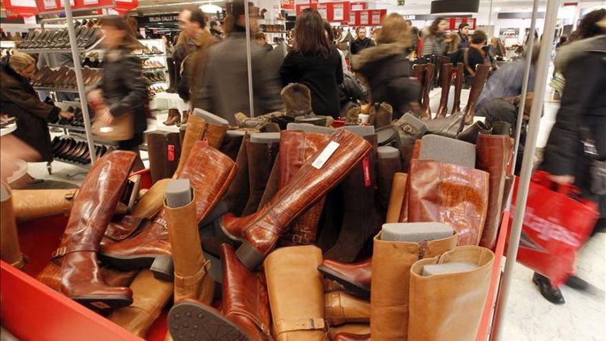Las ventas de centros comerciales caen un 2,2 por ciento en 2012 hasta 36.997 millones